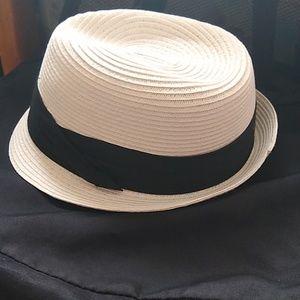 Women's straw hat